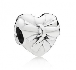 Pandora Charm Brilliant Heart Bow